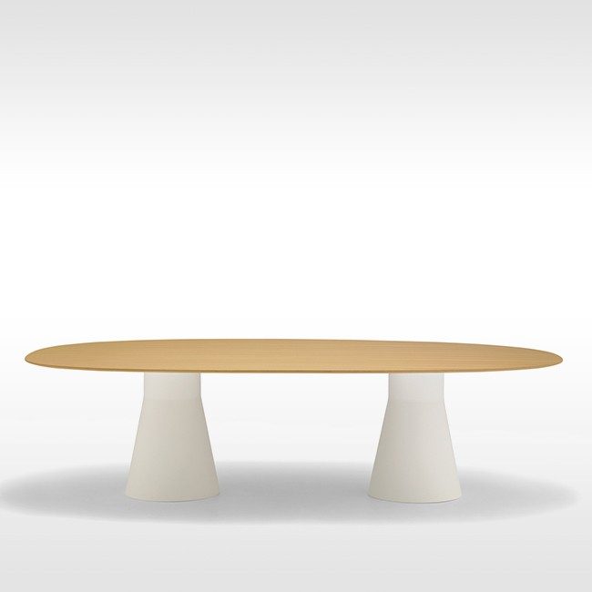 Andreu World tafel Reverse Conference Ellipse Eikenfineer door Piergiorgio Cazzaniga