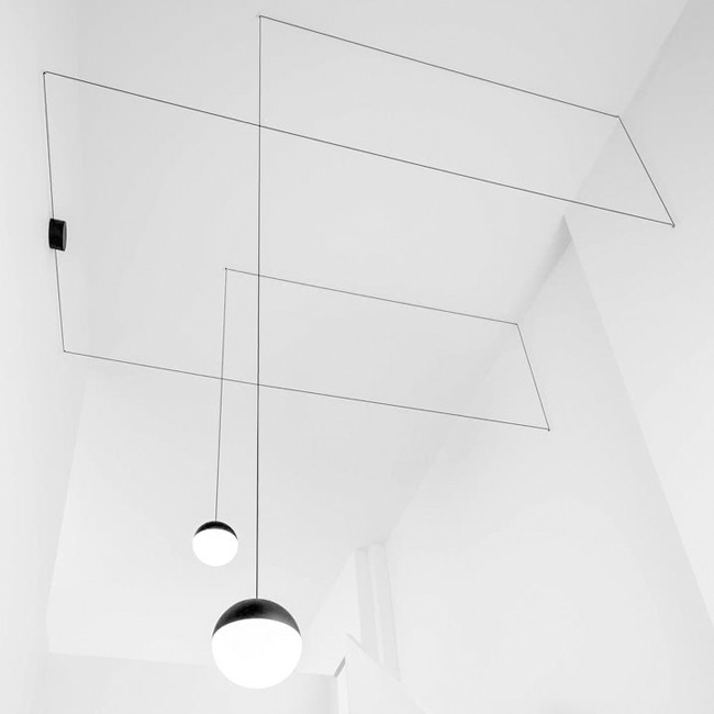 Flos hanglamp String Light Sphere door Michael Anastassiades