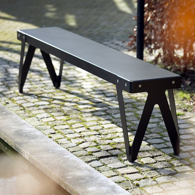 Functionals buitenbank Lloyd Bench Outdoor door Serener