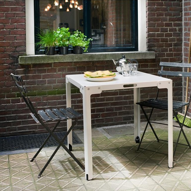 Functionals buitentafel T-Table Outdoor door Serener