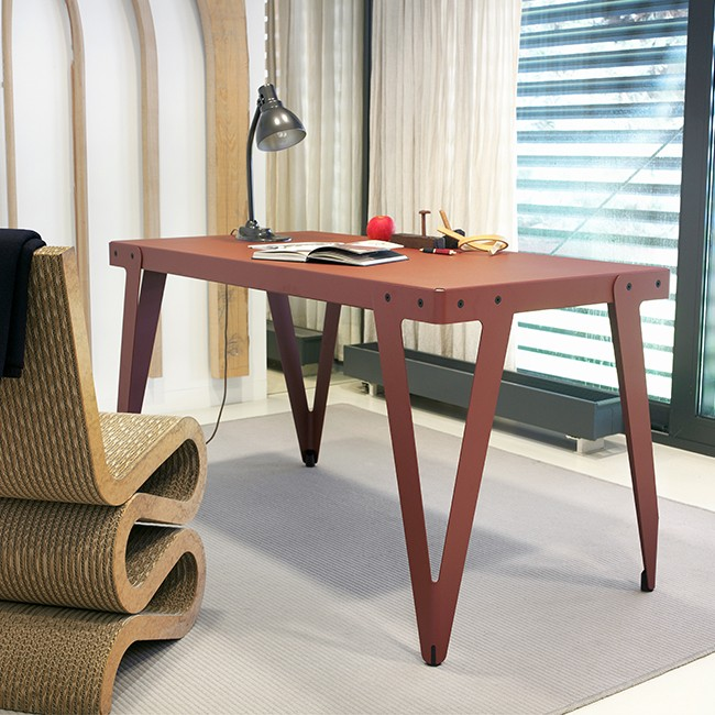 Functionals tafel Lloyd Table (73 cm hoog) door Serener
