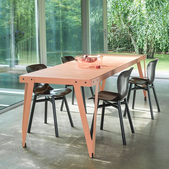 Functionals tafel Lloyd Table door Serener
