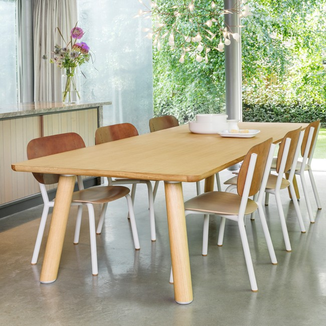 Functionals tafel Wood Air Table door Iskos-Berlin