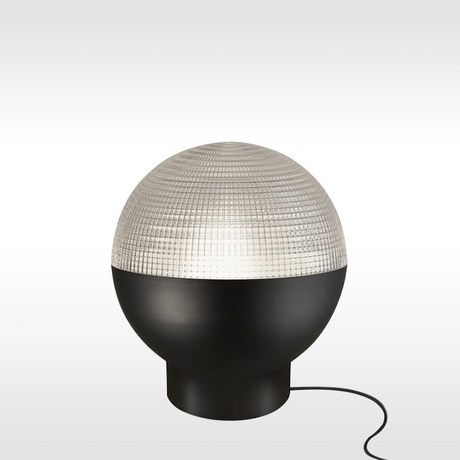 Lee Broom tafellamp Lens Flair Table Lamp door Lee Broom