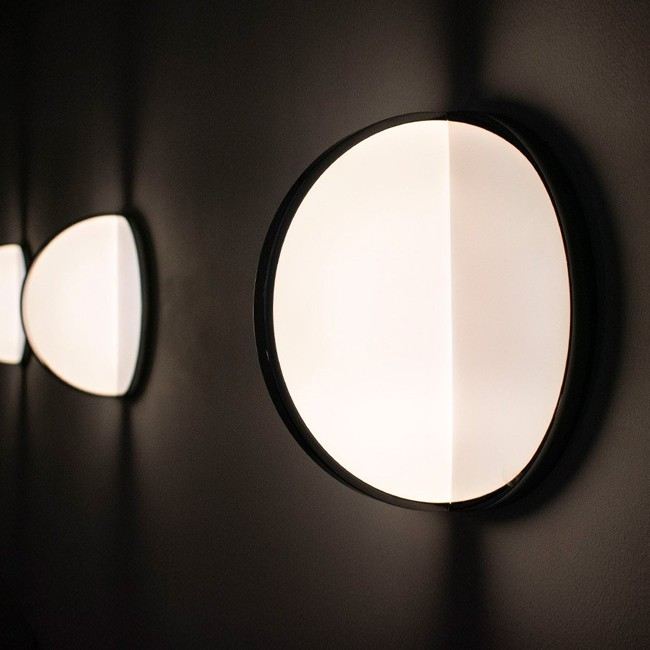 Lee Broom wandlamp Eclipse Surface Light door Lee Broom