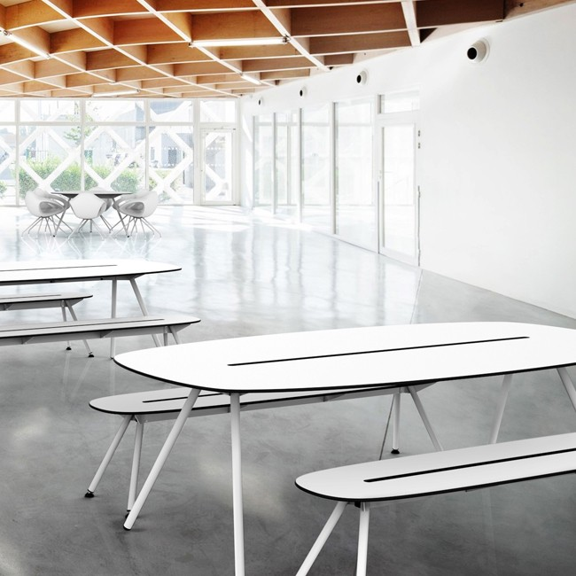Lonc tafel Long Board a-Lowha Table (RVS onderstel) door Rogier Waaijer