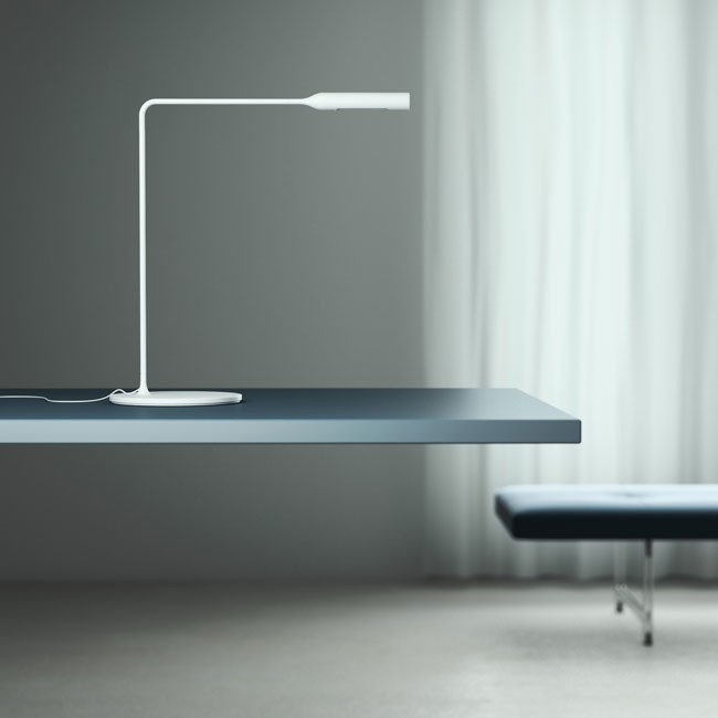 Lumina bureaulamp Flo Desk door Foster+Partners