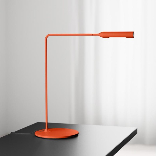 Lumina bureaulamp Flo Desk Oranje door Foster+Partners