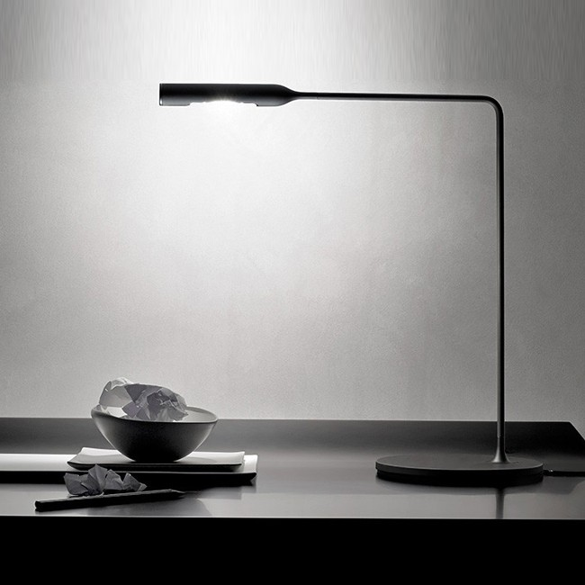 Lumina bureaulamp Flo Desk Zwart door Foster+Partners