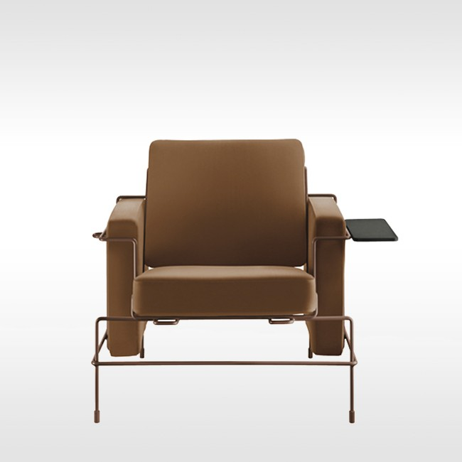 Magis loungestoel Traffic Armchair SD2704B (leer) door Konstantin Grcic
