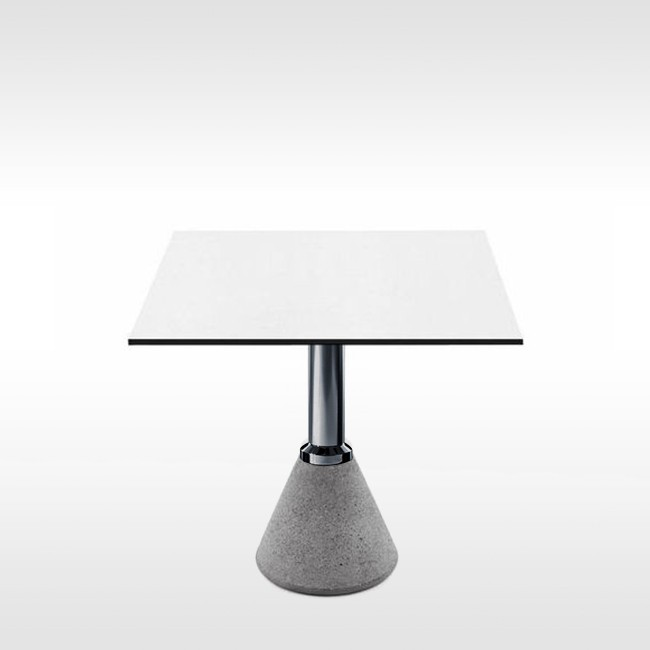 Magis tafel Table_One Bistrot vierkant door Konstantin Grcic