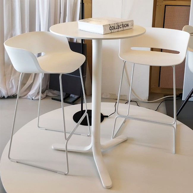 SHOWROOM SALE! Pedrali hoge tafel Fluxo 5464 door Luca Casini