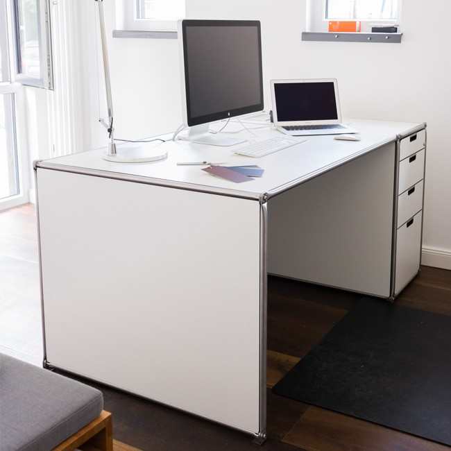 System 180 bureau Desk 40073 SteelLine door System 180