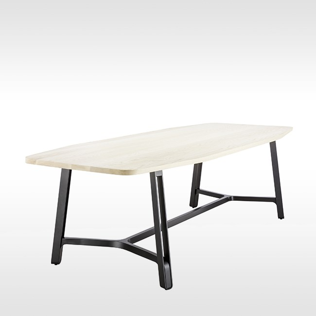 Thonet tafel S 1090 door Randolf Schott