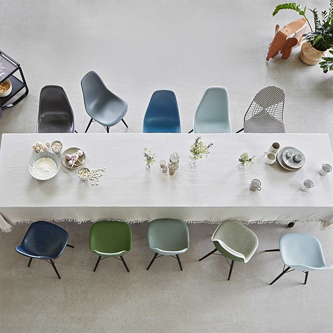 SHOWROOM SALE! Vitra stoel Eames Plastic Chair DSX Marineblauw bekleed door Charles & Ray Eames