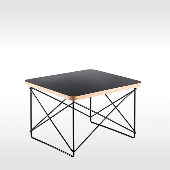 Vitra bijzettafel Occasional Table Zwart door Charles & Ray Eames