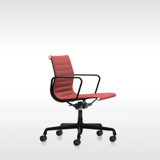 Eames Bureaustoel Vitra.Vitra Bureaustoel Aluminium Chair Ea 119 Stof Door Charles Ray