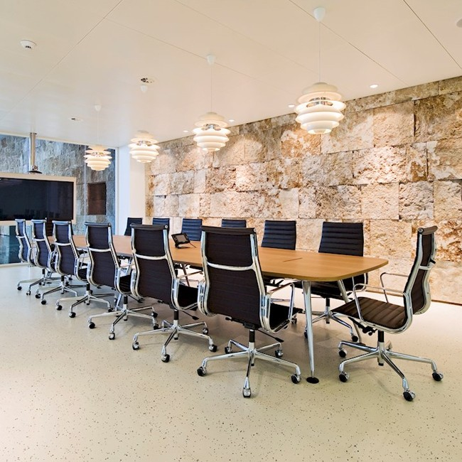Eames Alu Bureaustoel.Vitra Bureaustoel Aluminium Chair Ea 119 Stof Door Charles Ray