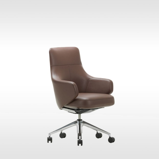 Vitra bureaustoel Grand Executive Lowback door Antonio Citterio