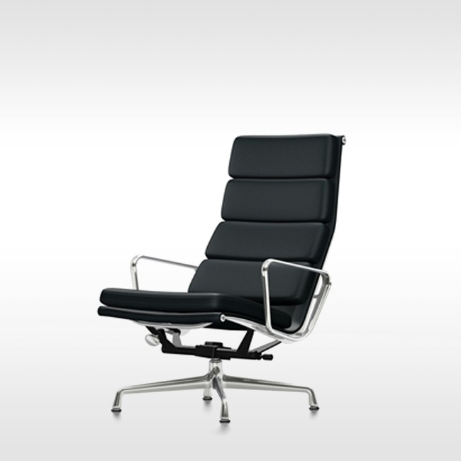 Vitra loungestoel Soft Pad Chair EA 222 Leder L20 door Charles & Ray Eames