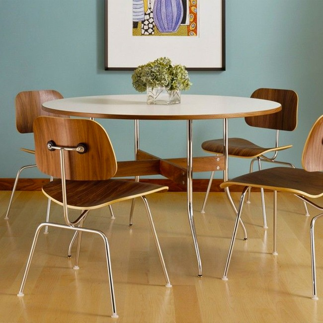 Vitra stoel DCM Dining Chair Plywood Group door Charles & Ray Eames