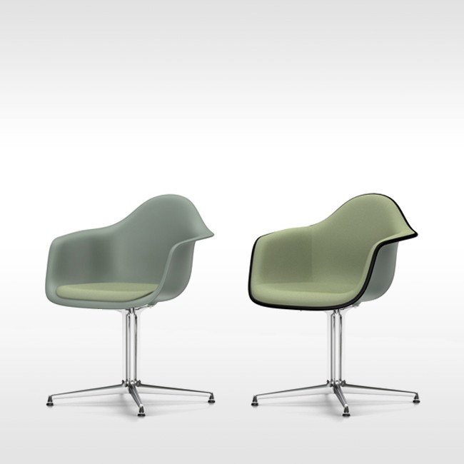 Eames stoel grijs free eames look a like replica with for Vitra eames plastic armchair replica