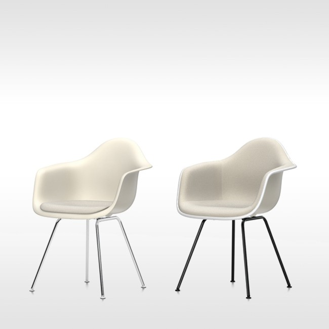 Vitra stoel Eames Plastic Armchair DAX Crème bekleed door Charles & Ray Eames
