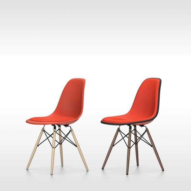 Vitra stoel Eames Plastic Chair DSW Poppyrood bekleed door Charles & Ray Eames