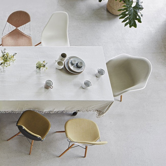 Vitra stoel Eames Plastic Chair DSX Wit bekleed door Charles & Ray Eames