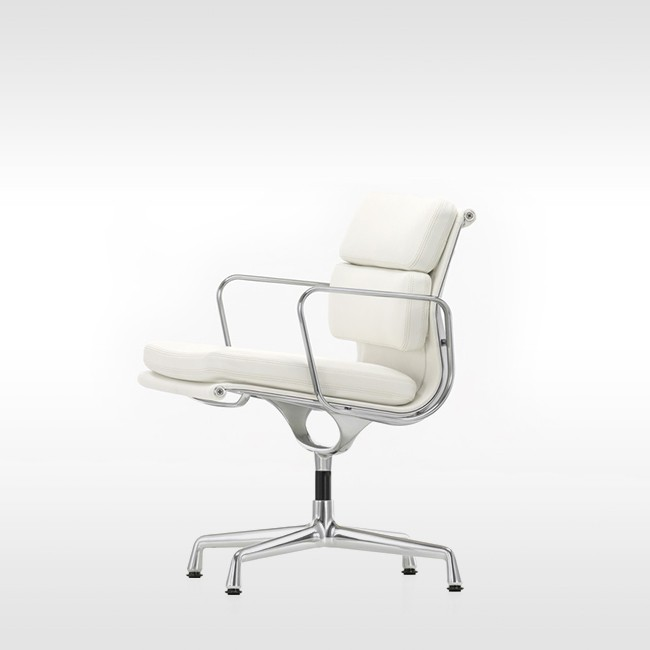 Vitra stoel Soft Pad Chair EA 207 Leder L20 door Charles & Ray Eames