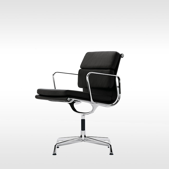 Vitra stoel Soft Pad Chair EA 208 Leder L20 door Charles & Ray Eames