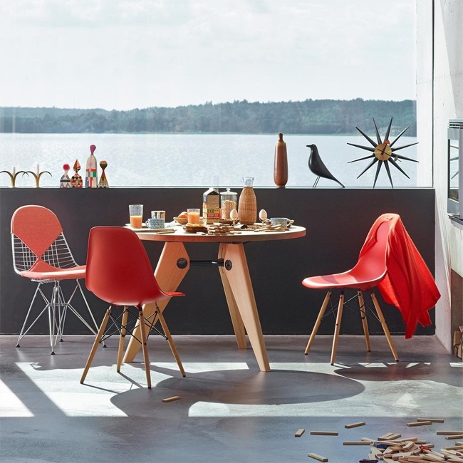 Vitra stoel Wire Chair DKR-2 door Charles & Ray Eames