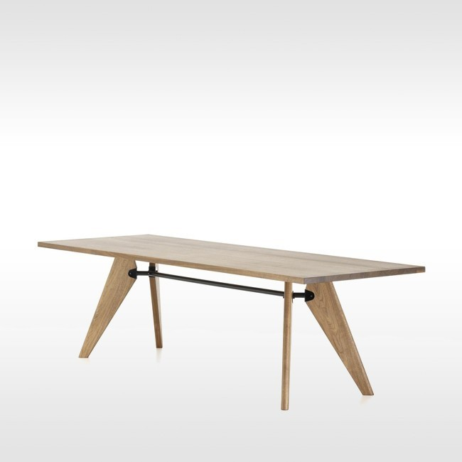 Vitra tafel Table Solvay geolied Amerikaans notenhout door Jean Prouvé