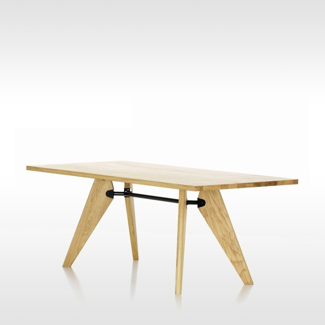 Vitra tafel Table Solvay geolied eiken door Jean Prouvé