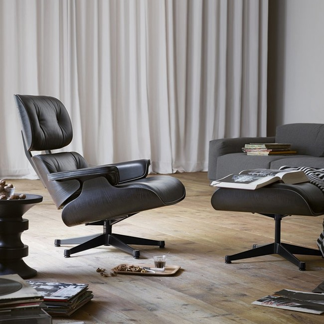 Vitra voetenbank Eames Lounge Chair Ottoman zwart essenhout door Charles & Ray Eames
