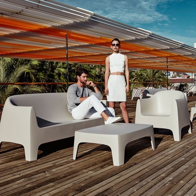 Vondom loungestoel Solid Lounge Chair door Stefano Giovannoni