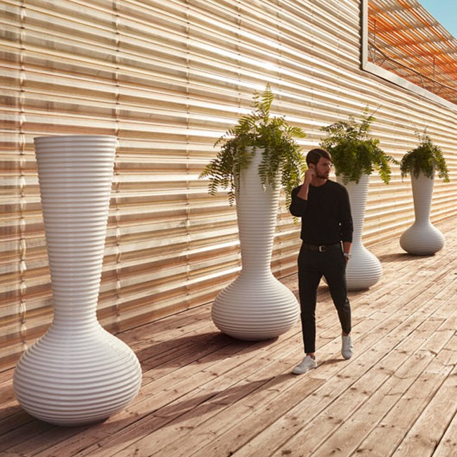 Vondom plantenbak Bloom Pot door Eugeni Quitllet