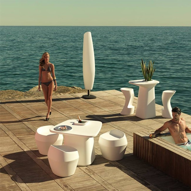 Vondom stoel Moma Medium Chair door Javier Mariscal