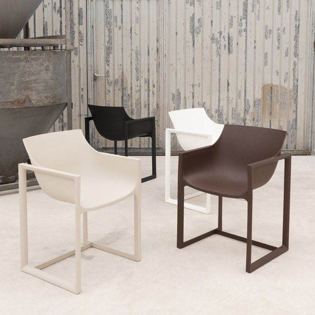 Vondom stoel Wall Street Chair door Eugeni Quitllet