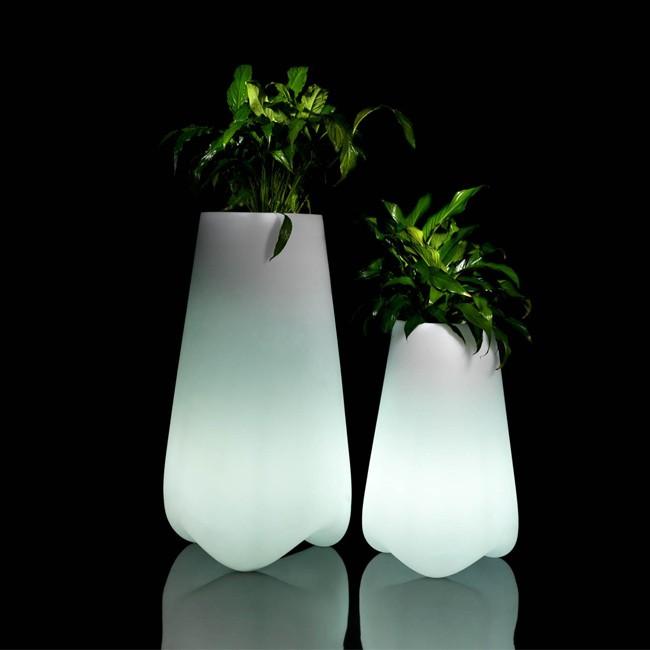 vondom verlichte plantenbak vlek planter door karim rashid